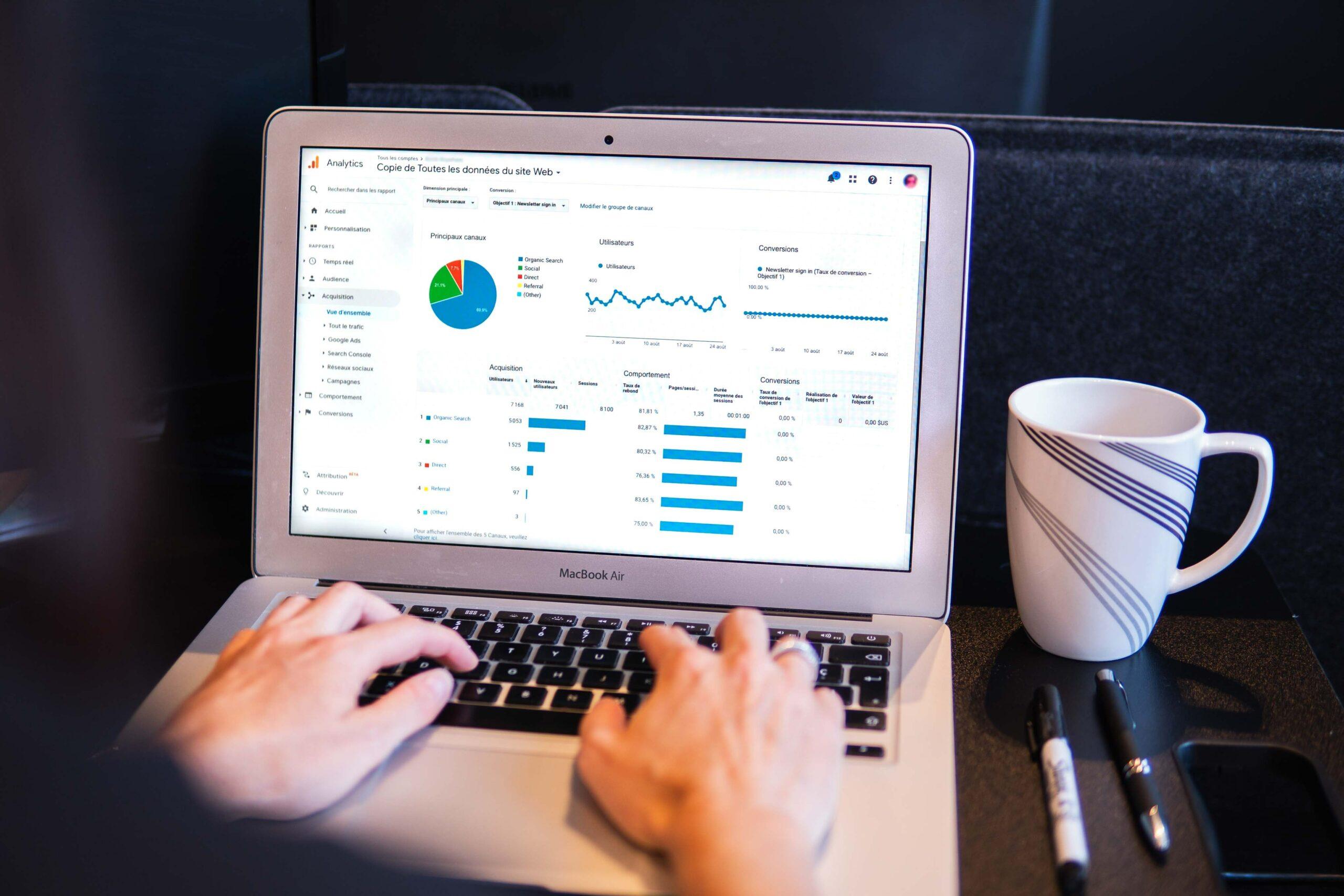 computador-com-dados-de-vendas