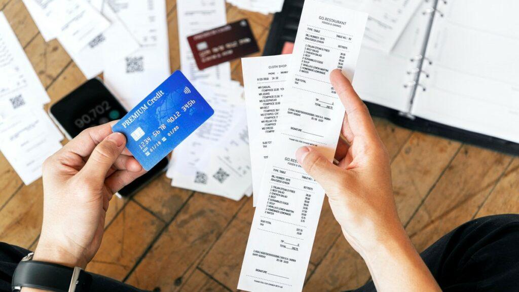 múltiplos empréstimos reduzem o score e acumulam dívidas